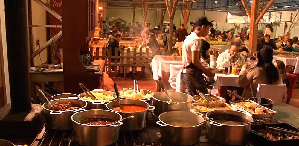 Festa colonial de canela gastronomia