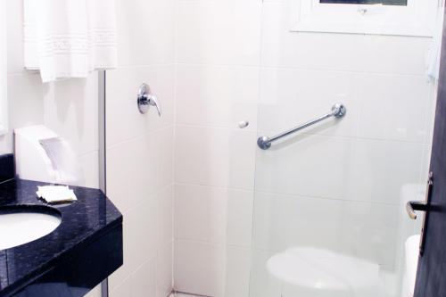 Suite Standard banheiro.